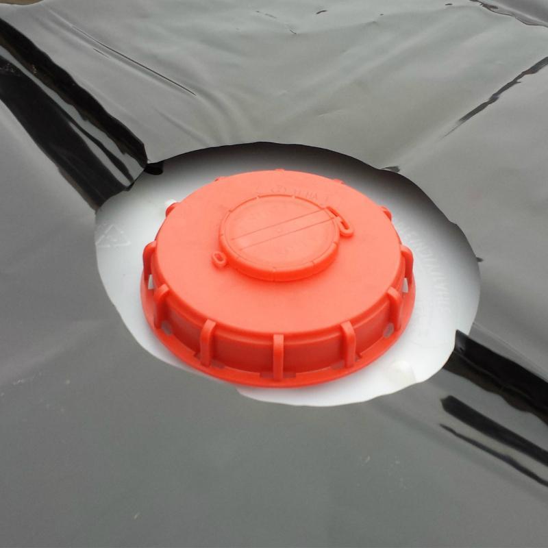 Aussparung fuer die Einfuelloeffnung IBC Schutzhuelle UV-Folie Schwarz 1000 Liter