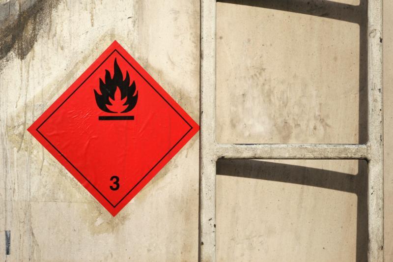 Gefahrzettel fuer Gefahrgut der Klasse 3