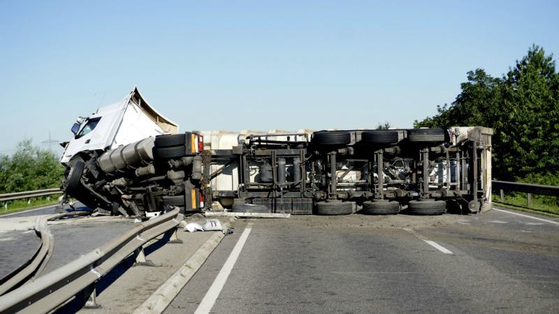 LKW Unfall auf der Autobahn