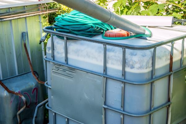 IBCs sind ideal als Wassertank für das Tropfsystem geeignet