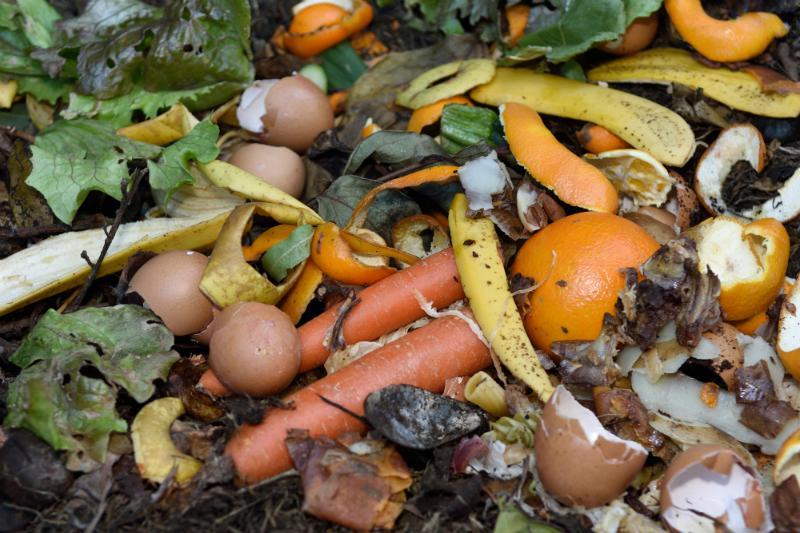 Innerhalb eines Kompostierbehaelters