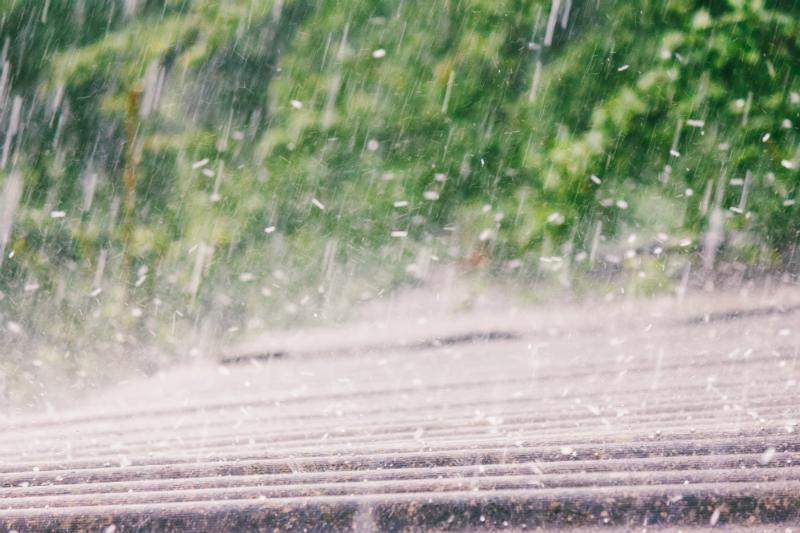 Sommerregen mit Hagel