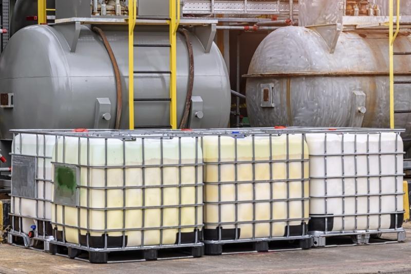 Lagertanks in chemischen Lagerbereichen