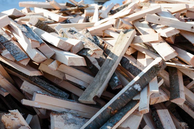 Holzscheite zum Heizen