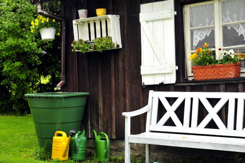 Regenwasser zur praktischen Nutzung im Garten