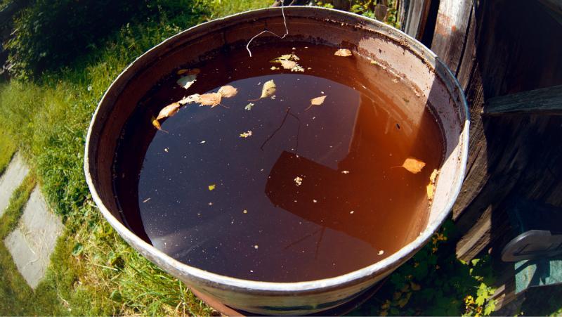 Wasser im IBC Container oder in der Regentonne kann umkippen