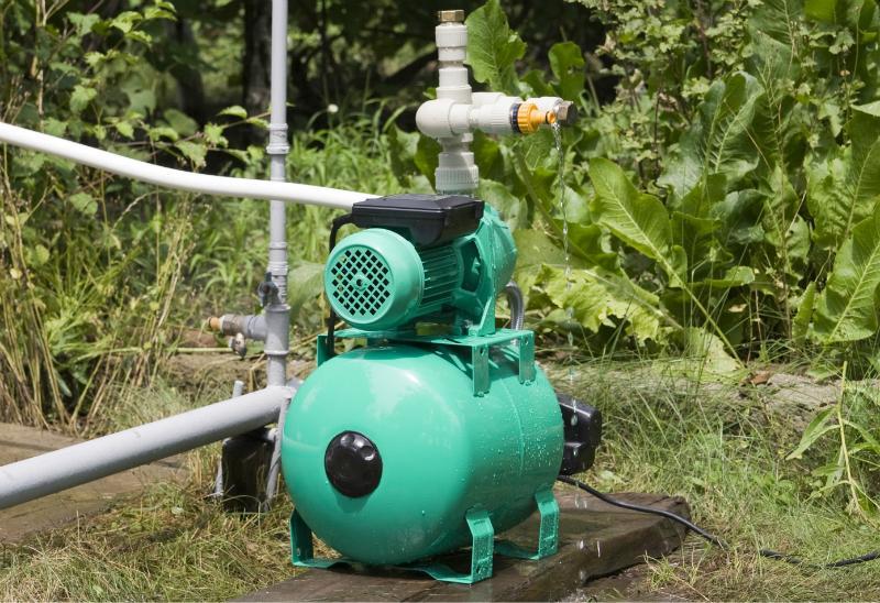 Pumpe im Garten
