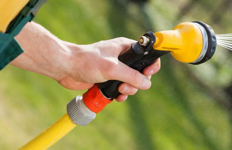 Stabil, robust und nicht knickbar: NTS-Schläuche sind ideal zum Bewässern
