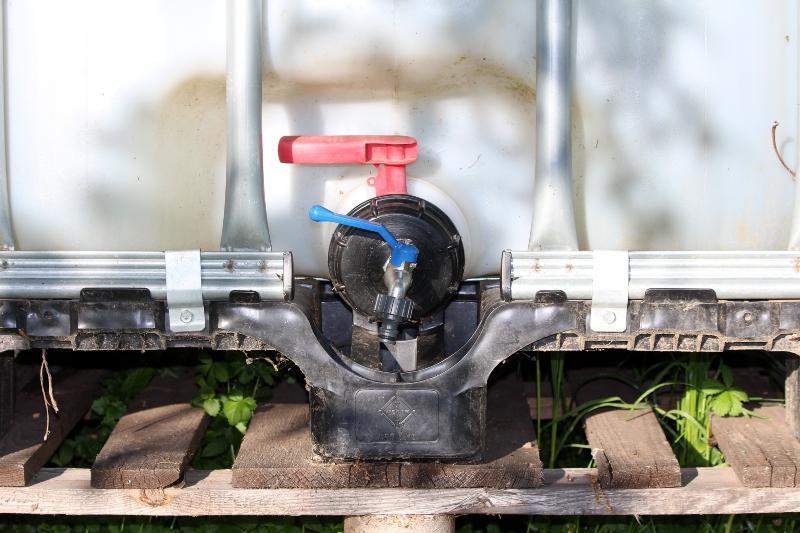 IBC-Container mit Kugelhahn Vorteile
