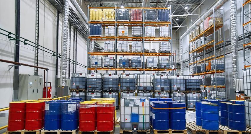 Lagerung von Gefahrstoffen in Fässern und IBC Containern