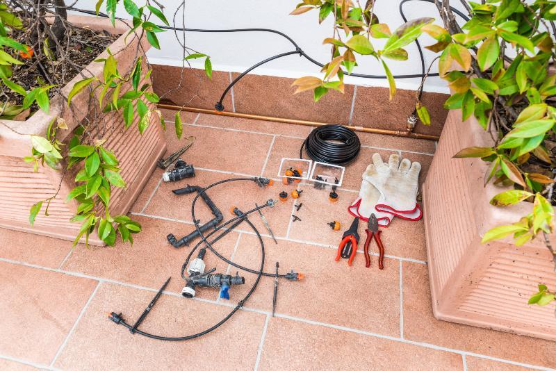 Auch auf einem Balkon kann die Tropfbewässerung eine praktische Lösung sein