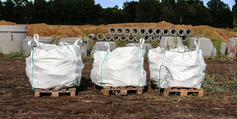 3 Bigbags, auf Paletten leicht zu transportieren