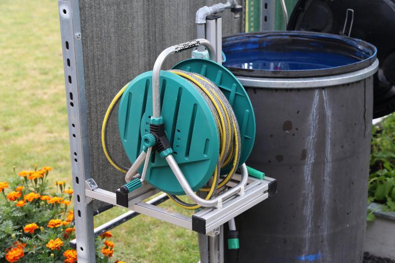 Gartenschlauch mit Regentonne - No Torsion System in der Schlauchtechnik