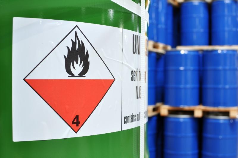Container mit Explosionsgefahr-Symbol - Gefahrgut