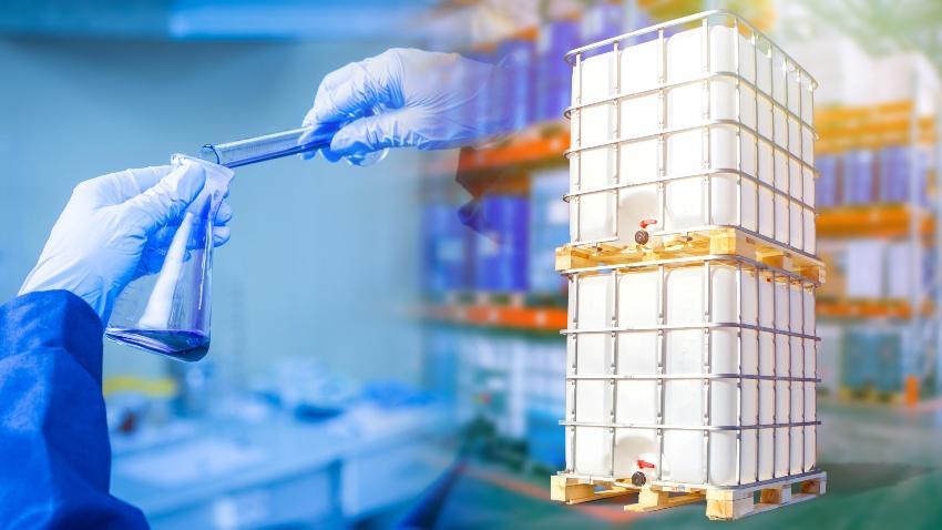 Chemikalien, IBC Container - Gefahrgut im Großpackmittel IBC