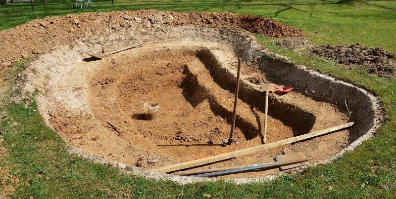 Teich anlegen , Frühphase mit Ausgrabungen
