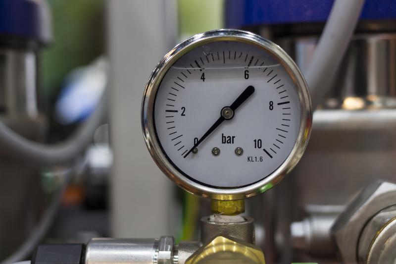 Ein Manometer, das null Bar anzeigt