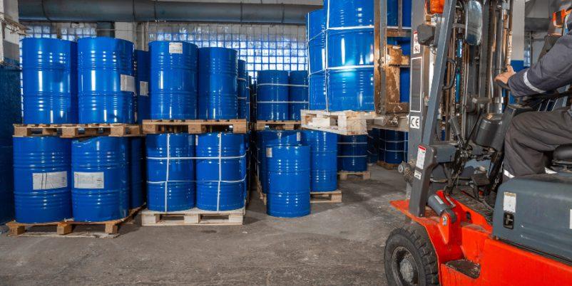 Lagerraum mit Fässern - Vorteile einer Fassbodenheizung