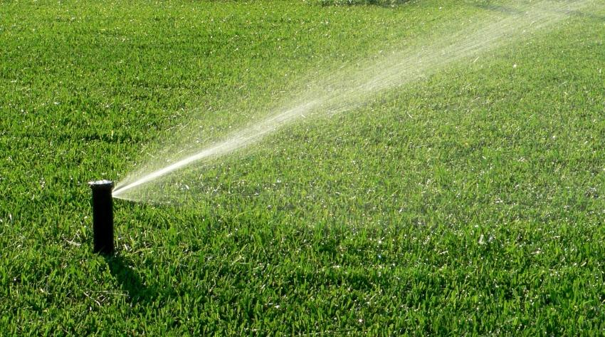 Rasensprenkler - eine Winterentleerung beugt Schäden vor