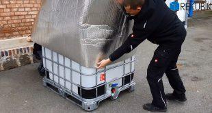 Montage einer Frostschutzhauben für den IBC