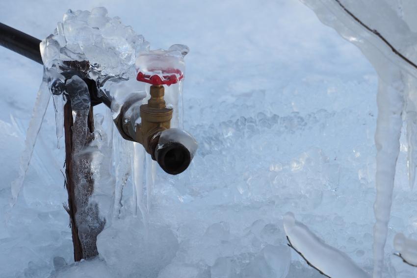 Vereiste Wasserleitung - Gartenpumpe überwintern