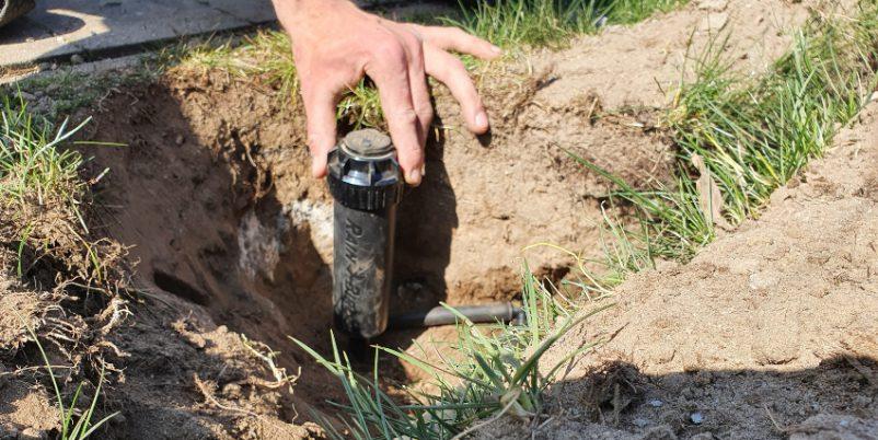 Einbau versenkbare Gartenbewässerung