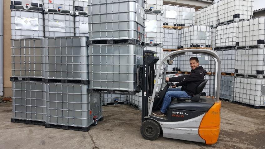 1000l IBC Wassertank mit Stahlmantel auf PE- oder S1000l IBC Wassertank mit Stahlmantel auf PE- oder Stahlpalette GESPÜLT | Leergewicht 65 kgtahlpalette GESPÜLT