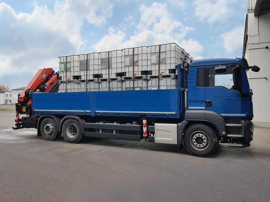 1000l IBC Container auf PE-Palette