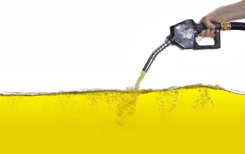 Zapfpistole mit Benzin